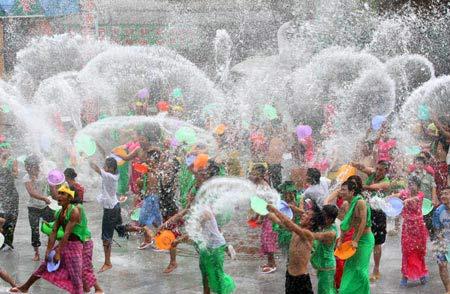 Thailandia: Songkran - Water-Festival