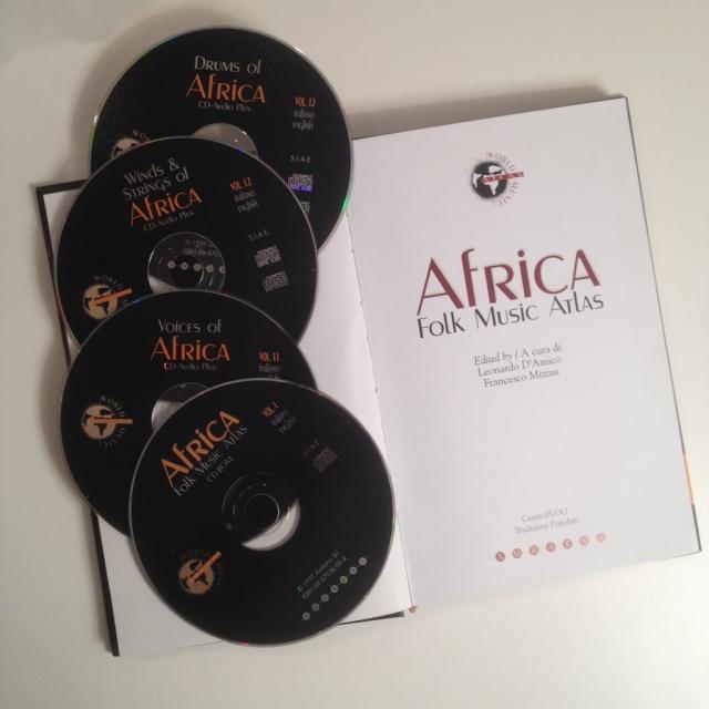 Contenuto di Africa Folk Music Atlas: libro, Cd-Rom e 3 Cd-Audio