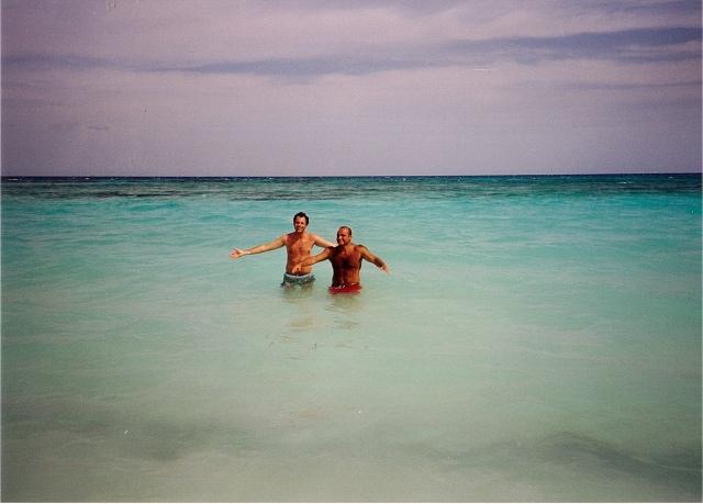 Vide 'o mare quant'è bello, spira tanto sentimento...Ma chest' nun è Surriento!