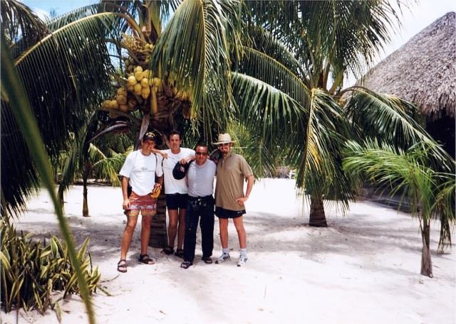 Playa Palancar, Cozumel. Da sinistra: Lucio, Claudio, Francesco, Diego.