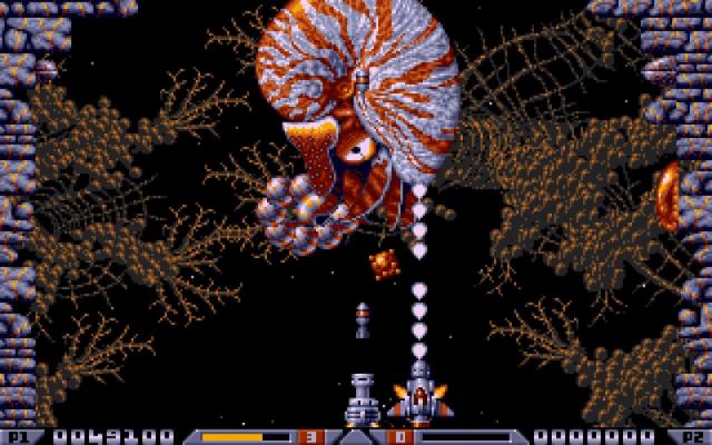 Xenon 2 - Il boss del primo livello